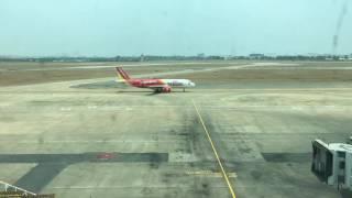 Hoạt động thường ngày tại Tan Son Nhat International Airport