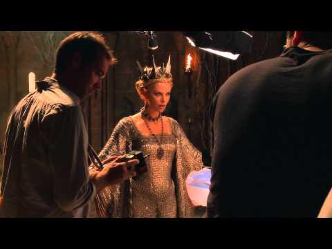 Cover Media Video: Charlize Theron, Sean Penn mistreating their son?