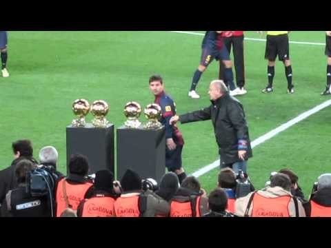 Lionel Messi Balón de Oro 2013 en el Camp Nou
