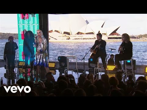 Katy Perry - Chained To The Rhythm (Live On The World Famous Rooftop, Sydney)