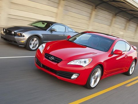 Drag Race - Genesis Coupe. 370Z. Mustang GT