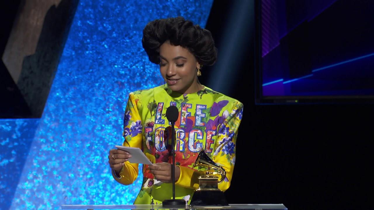 Esperanza Spalding - 第62回グラミー賞にて「Best Jazz Vocal Album」受賞 受賞スピーチ映像を公開 thm Music info Clip