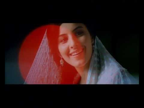 Muthuchippi - Thattathin Marayathu Song - Full Quality - 2012 video