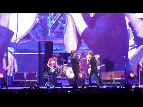 "The Rolling Stones duet w/ Tom Waits ""Little Red Rooster"" Live at Oracle Arena Oakland, CA 5-5-2013"