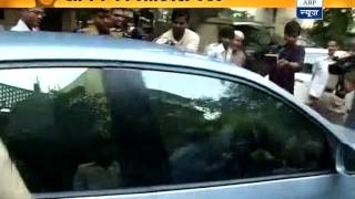 Sachin's mother on the way to Wankhede