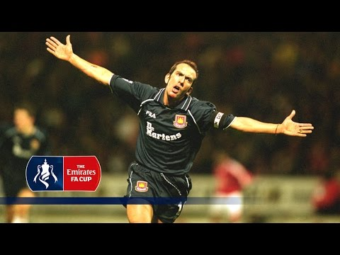 Paolo Di Canio's classic goal v Man Utd (2000/2001 FA Cup) | From The Archive
