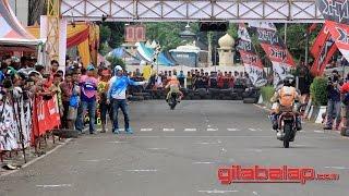 download lagu Alun - Alun Pandeglang Jadi Sirkuit Balap Motor gratis