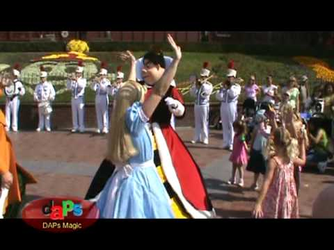 Alice in Wonderland The Mad Hatter & Queen of Hearts join the...