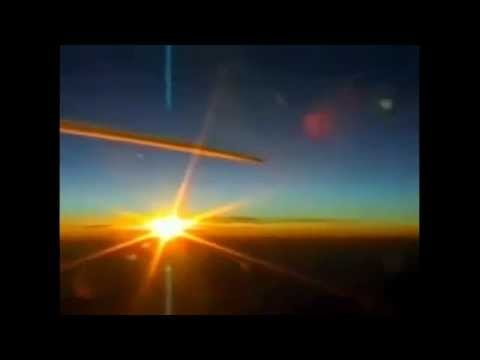 TOP SECRET Mission - Chemtrail Pilots SPRAYING BLOOD Cause Face to Face Near Mid-Air Collisions !!!