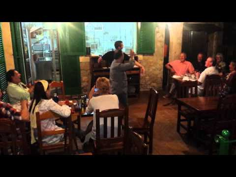 Germans and Brits singing along on Mallorca in restaurante