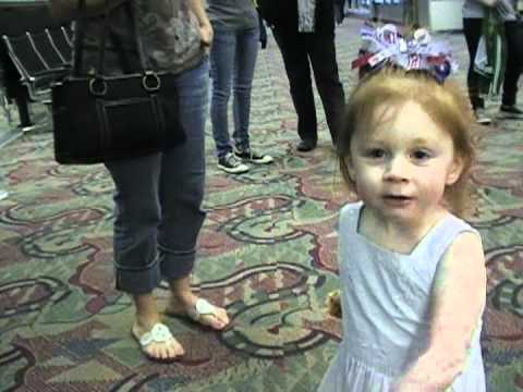 Soldier Surprises 2 Year Old Daughter with Homecoming