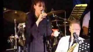 AVIA TERI AND HED BIG BAND (WORLD MUSIC)