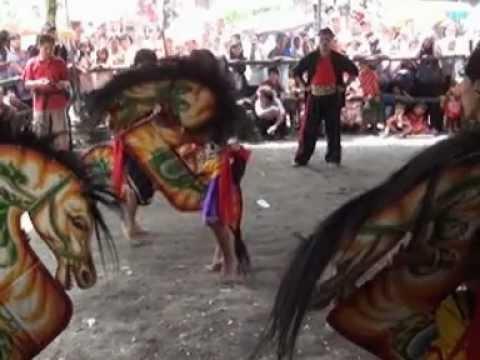 Jatilan Kudho Satriyo Di Badran Yogyakarta (1) video