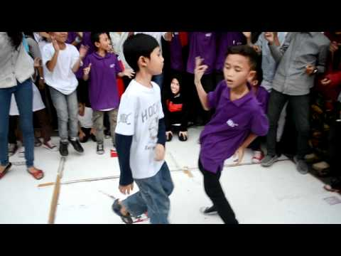 Battle Niublock Shuffle Vs Relix Brother Crew  kfc Pondok Gede video