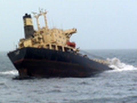 Ship sinks near Mumbai