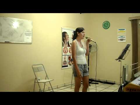 Escola Tiago Piano & Voz - Fabiana -