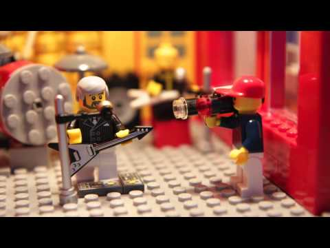 Giel @3FM in Lego: Triggerfinger - All this dancin' around
