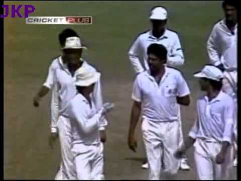 *** Rare *** Kapil Dev , 1st Bowler to take 200 wickets in ODI Cricket