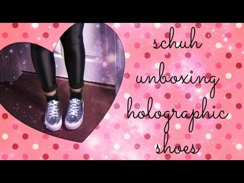 Schuh Unboxing - Holographic Shoes | PRETTYWILDTHINGS