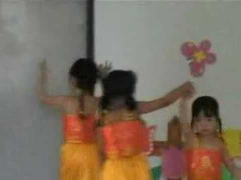 3&4 year old girls dancing : Indian Dance Video