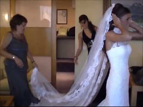 Vistiendo a la novia- Boda.Getting dressed-wedding day