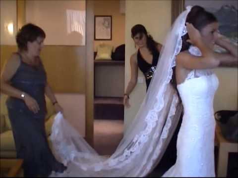 Vistiendo a la novia- Boda.Getting dressed-wedding day
