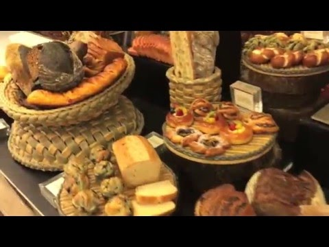 Wonderful Indonesia: Food, Hotel and Tourism Bali 2016