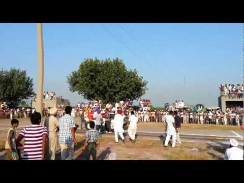Amazing Tractor Stunt In Punjab Swaraj 855 video