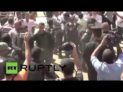 Egypt: Mubarak retrial verdict delay ignites clashes in Cairo