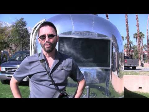 AIRSTREAM VINTAGE TRAVEL TRAILER SHOW