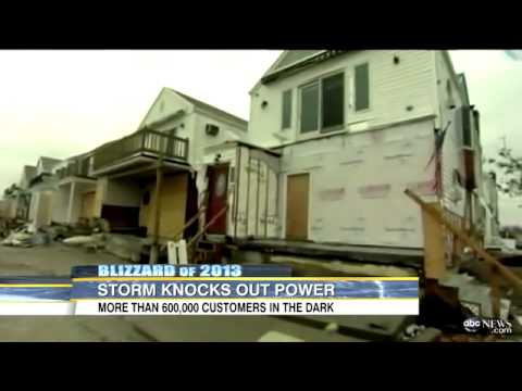 Blizzard 2013: Power Outages for Hundreds of Thousands of People