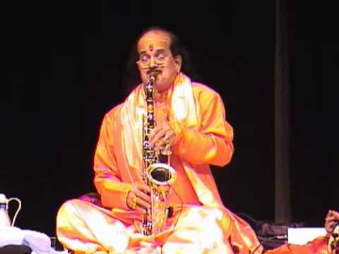 Kadri Gopalnath saxophone - Aadu Paambae - snake dance