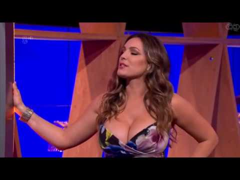 KELLY BROOK SEXY CURVES IN DRESS thumbnail