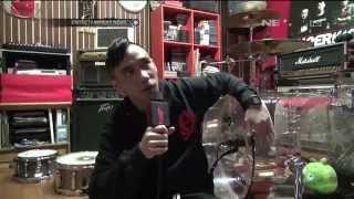 Download Lagu Ikmal Tobing memperlihatkan koleksi alat musik miliknya Gratis STAFABAND