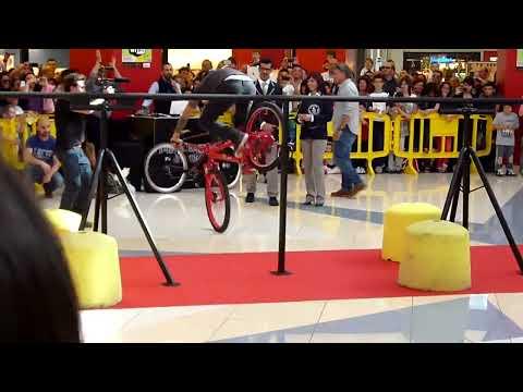 Brumotti  : Guinnes World Record 2013 - Striscia la Notizia - Abbombazza