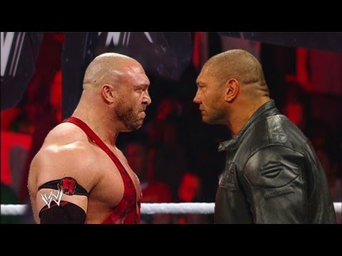 WWE RAW 8/26/13 Batista Returns and Attack Ryback ( WWE 13 Simulation )