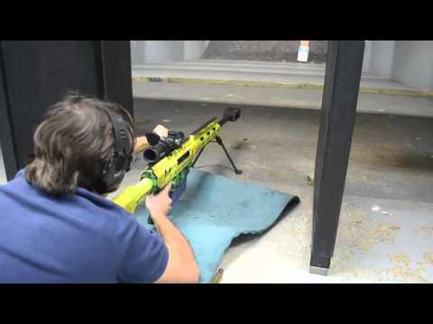 Atirando com uma .50 BMG