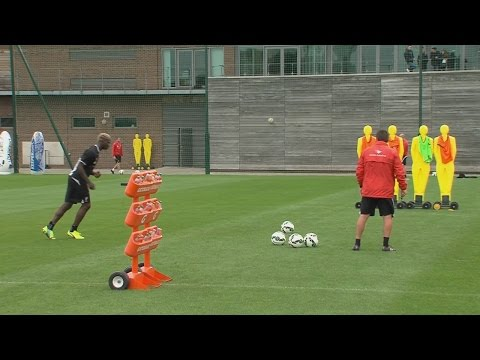 Mario Balotelli Great Free-kick ● Liverpool Training Session (HD)