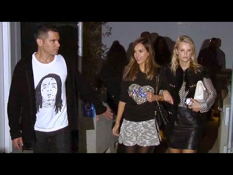 Jessica Alba Attends Drake Vs Lil Wayne Concert With Cash Warren And Kelly Sawyer