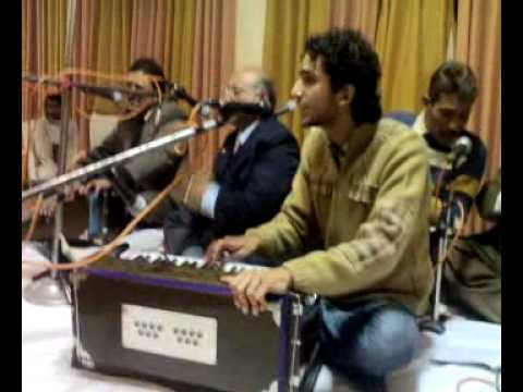 Rukh Pe Bikhri Hain Zulfen Sanwaro Qawwali video