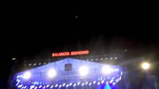 download lagu Tony Q Rastafara- Witing Tresno Live Perform At Balaikota gratis