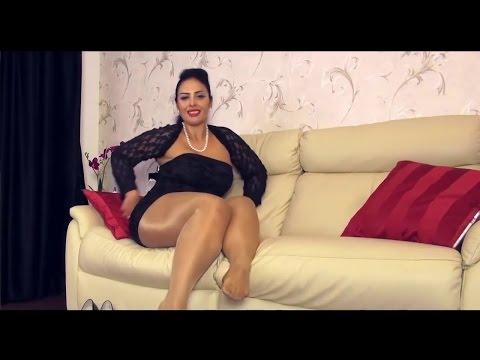 ARAB MATURE FEMALE AND HER EROTIC LEGS IN NYLON SHINY PANTYHOSE / АРАБСКАЯ ЖЕНЩИНА В КОЛГОТКАХ