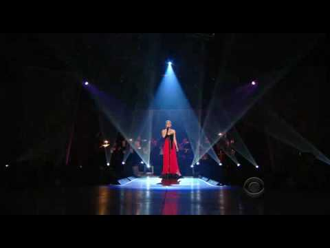 Faith Hill - A Baby Changes Everything LIVE - YouTube