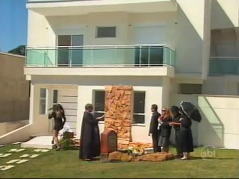 Programa Silvio Santos - Câmera Escondida: Atores fazem velório no quintal