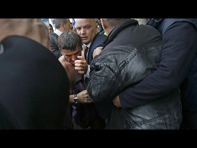 Angry employees of Air France attack directors of the company - no comment