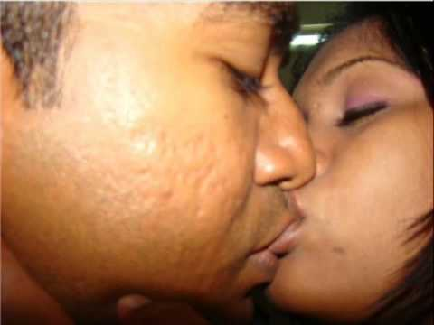 Dhivehi Sexy Bitun Kissing video