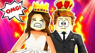 BULLY MAKES PROM QUEEN CRY!! (Roblox Royale High School)