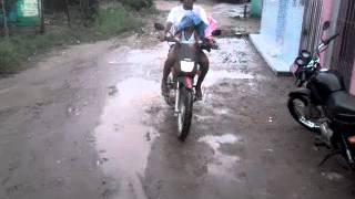 Internauta denuncia esgoto e lama na Osvaldo Rabelo, em Goiana, postado pelo Blog do Anderson Pereir