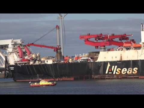 Solitaire, The largest pipelay vessel