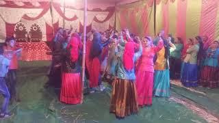 जौनपुर में डीजे में अनोखा नृत्य